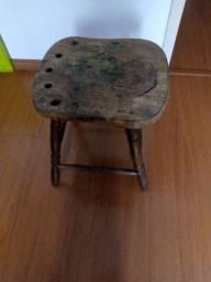 Cadeira vernizada