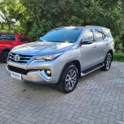 Toyota Hilux SW4 SRX 2.8 TDi [impecável]