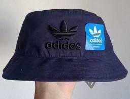Chapéu bucket Adidas azul escuro