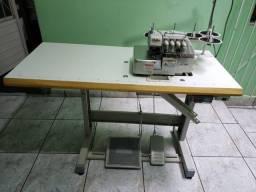Máquina de custura interloque