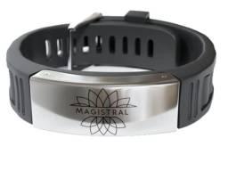 Bracelete magnética bloqueia a radiação da força e equilíbrio