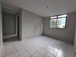 Apartamento com 2 dormitórios à venda, 60 m² por R$ 199.900,00 - Jardim Goiás