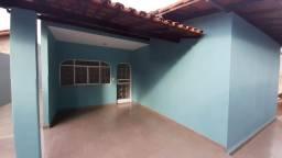 Alugo casa 3 quartos no Maria Eugênia