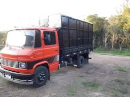 Caminhão boiadeiro, ou usar como carroceria baixa