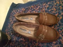 Sapato feminino usado duas vezes
