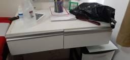 Escrivaninha/ penteadeira