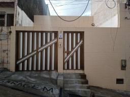 Título do anúncio: Aproveite! Casa 3 Quartos com Garagem para Aluguel no Monte Serrat (858505)