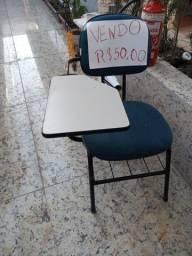 Cadeira Com suporte para material