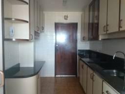 Alugo excelente apartamento em Paranaguá