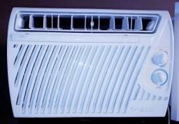 Ar Condicionado 9000 BTUs Splinger de Janela
