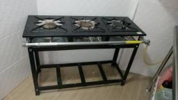 Fogão industrial 500 reais  usado apenas 2 semanas