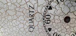 Relógio de parede marca Quartz