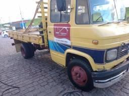 Vendo ou Troco caminhão por utilitário menor