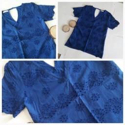 Blusa Azul c/ Detalhes - Tamanho P / Nunca Usada.