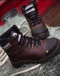 Vários modelos de calçados direto da fábrica