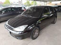 Ford Focus 1.6 8V MANUAL COMPLETO 4P