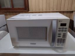 Microondas Cônsul 20 Litros 220 Volts em Ótimo Estado.