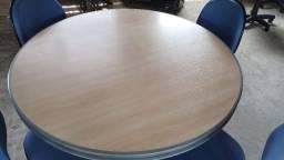 Mesa de Reunião  com 4 cadeiras