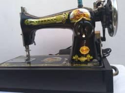 Máquina de costura.