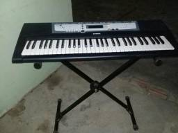 Vendo teclado Yamaha psr-e213