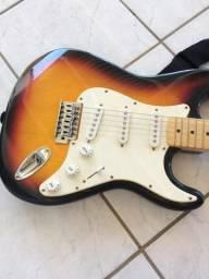Guitarra + caixa amplificadora usada apenas uma vez