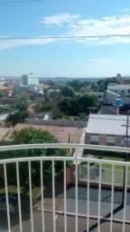 Apartamento no bairro Coqueiral com cozinha planejada e sacada