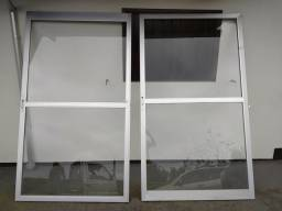 Porta de alumínio 2,38 x 2,11