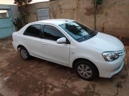 Toyota Etios XS sedã 1.5