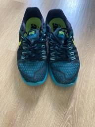 Lote de 7 calçados TAM 40