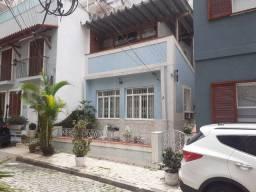 Casa duplex 3 quartos Copacabana ótimo localização próximo metrô vaga
