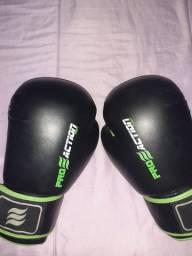 Luvas de Boxe e Short de Boxeador