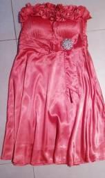 4 vestidos de festa todos por R$100.00. Veste 42/44