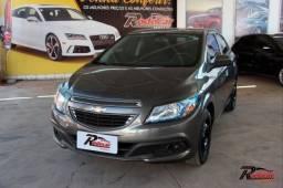 Chevrolet GM Onix LT 1.4 Cinza
