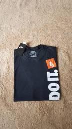 Camiseta Nike (primeira linha)