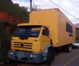 17210 truck ano 2002 reduzido  baú novo