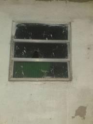 Vendo janela 80.00 usada valor negociável