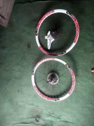 Aro 26, raiação inox preta, folha Vmax, freio a disco, cubo de alumínio de pressão