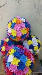 Bolas de isopor e flores de eva grandes 60