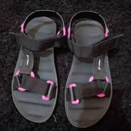Vendo sandália papete rider