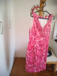 Vestido rosa da marca Gregory