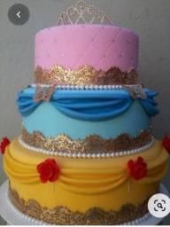 Alugo bolos fake para festas