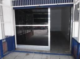Cód 1348 Loja na Av. OScar Pereira em frente ao Supermercado Maccari