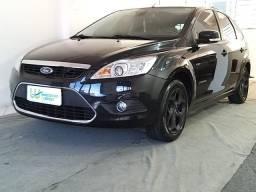 Ford Focus Titanium Hatch 2.0 16v - Único Dono