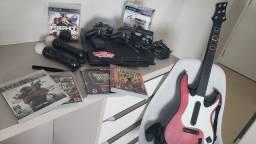 PS3 / Playstation 3 + 2 controles + Kit Move + Guitarra original  + 5 jogos