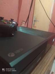 Xbox One 500 GB, 1 Controle, E Mais de 100 Jogos Mídia Digital e 5 em Mídia Física