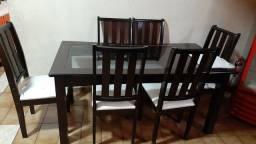 Sala de janta com 6 cadeiras