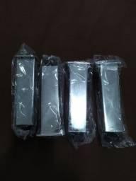 Pés de Armário de Plástico Cromado Com Regulagem