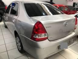 Etios x sedan automático