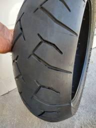 Pneu traseiro Pirelli Diablo semi novo 190/50/17