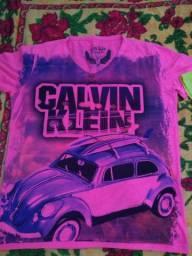 Vende-se camiseta Calvin Klein